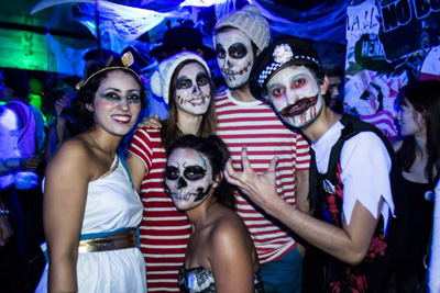 soiree halloween gratuite belushi s paris