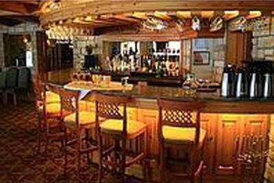 Couscous gratuit au restaurant le grenier - Decoracion de bares tematicos ...