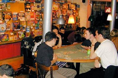Choker chess poker