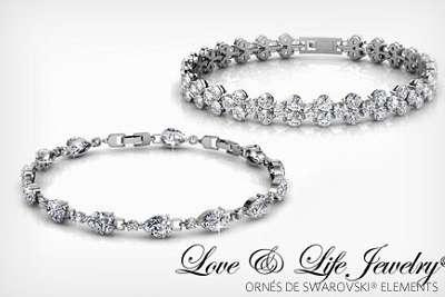 2 bracelets love and life jewelry 19 99 au lieu de 70 88. Black Bedroom Furniture Sets. Home Design Ideas