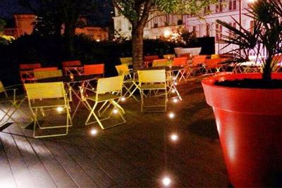 Bar lounge avec terrasse de l h tel mercure montmartre for Bon plan hotel paris