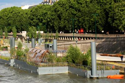 D tente gratuite dans un jardin flottant sur la seine for Jardin gratuit paris