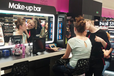 Maquillage gratuit au Make up bar Sephora (15 min)